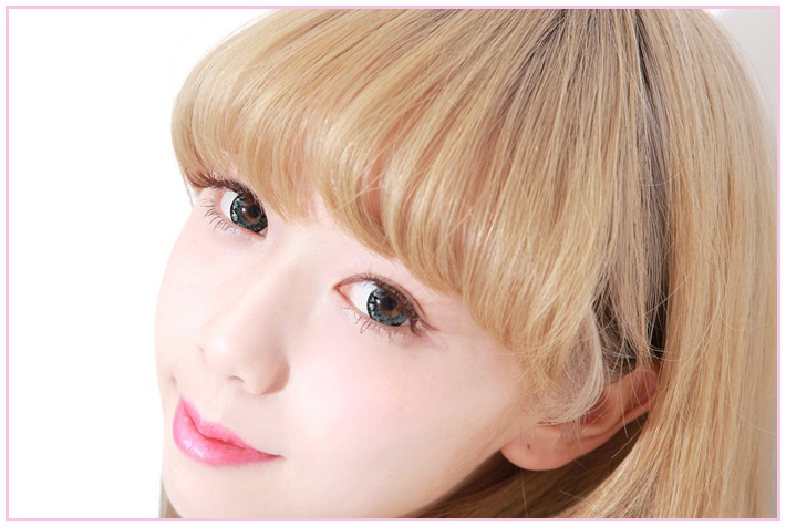DUEBA DIAMOND GREEN CONTACT LENS
