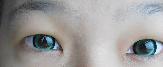 DUEBA EYE CANDY GREEN CONTACT LENS